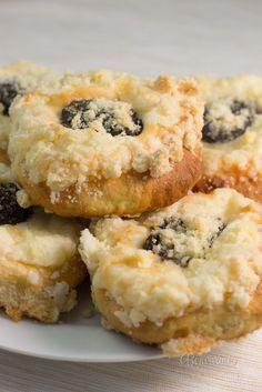 Hanácke koláče Slovak Recipes, Czech Recipes, Ethnic Recipes, Biscuit Cookies, Pavlova, Desert Recipes, Biscuits, Sweet Tooth, Muffins
