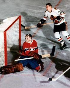 Charlie Hodge & Stan Mikita Women's Hockey, Hockey World, Blackhawks Hockey, Hockey Games, Hockey Players, Chicago Blackhawks, Hockey Stuff, Montreal Canadiens, Hockey Highlights