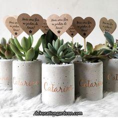 Best 12 Set of 3 concrete pots cement planters pencil holder modern home decor industrial style beton deko small square pot for office – SkillOfKing. Concrete Crafts, Concrete Art, Concrete Planters, Diy Planters, Diy Home Crafts, Diy Crafts To Sell, Plant Decor, Flower Pots, Diy Gifts