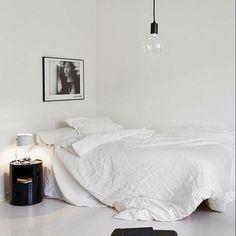 #simplebedroom #white #whitbedroom #bedroom #simple #blackconsole