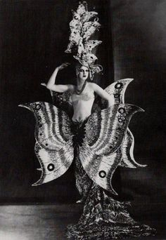 Butterfly Girl (Folies Bergère), 1909