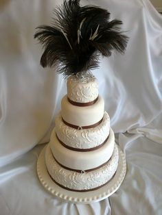 ostrich feather wedding cake bling amp feathers wedding cake wedding 18072