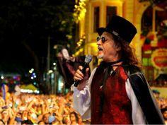 """Do alto de seus 68 anos de idade, o músico pernambucano vai relembrar seu repertório de xotes e baiões, hits que conquistaram todo o Brasil, como """"Belle de Jour"""", """"Anunciação"""", """"Pelas Ruas Que Andei"""", """"Coração Bobo"""", """"Cabelo no Pente"""", """"Tropicana"""", """"Táxi Lunar"""" e """"Turnê Nordestina""""."""