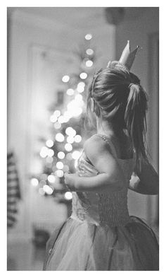 Picture Perfect For you ♥ Black White Photos, Black And White Photography, Toddler Photography, Family Photography, Perfect World, Baby Love, Cute Kids, Christmas Pictures, Poses