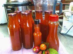 BOTTEL EN BERE Food Crafts, Diy Food, South African Recipes, Canning Recipes, Dessert Recipes, Desserts, Hot Sauce Bottles, Chutney, Salads