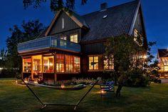 Greåker torg - Herskapelig villa med sjel og klassisk arkitektur - Sjelden mulighet! | FINN.no Home Fashion, Real Estate, Cabin, Mansions, House Styles, Home Decor, Mansion Houses, Homemade Home Decor, Manor Houses