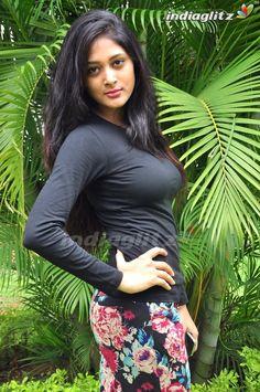 Most Beautiful Bollywood Actress, Beautiful Actresses, Tumbrl Girls, Indian Girl Bikini, Indian Girls Images, Indian Actress Hot Pics, Bollywood Girls, Stylish Girl Images, Beautiful Girl Indian