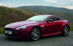 Aston Martin Vantage  2 Wallpaper