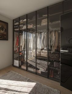 An amicable agreement - Dressing Walk in wardrobe - Design Glass Wardrobe, Walk In Wardrobe, Wardrobe Design, Wardrobe Closet, Bedroom Closet Design, Closet Designs, Dressing Room Design, Wardrobe Furniture, Luxury Closet