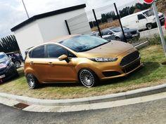 Slammed Ford Fiesta. Gold Dip