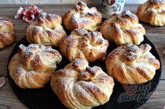 Sladké věnečky z kynutého těsta   NejRecept.cz Muffin, Breakfast, Food, Morning Coffee, Muffins, Meal, Essen, Hoods, Cupcakes