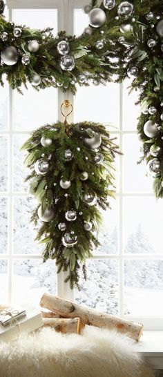 Looking for for ideas for christmas inspiration?Check out the post right here for very best Christmas inspiration.May the season bring you joy. Christmas Trimmings, White Christmas Ornaments, Metal Christmas Tree, Christmas Balls Decorations, Green Christmas, Christmas Time, Christmas Wreaths, Christmas Crafts, Christmas Quotes