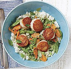 pan-seared+sea+scallops+with+thai+green+curry,+snap+peas,+and+carrots