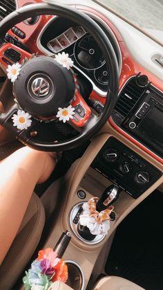 car interior decor new car decor :) - car Hippie Auto, Hippie Car, Models Men, Car Interior Decor, Pink Car Interior, Car Interior Accessories, Auto Accessories, Interior Ideas, Girly Car