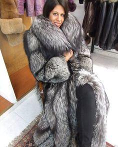 Fox Fur Coat, Fur Coats, Fur Fashion, Womens Fashion, Fabulous Fox, Straight Jacket, Outerwear Women, Mantel, How To Wear