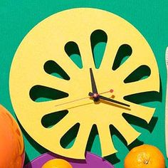 This lemon slice clock is both festive wall décor and super functional.