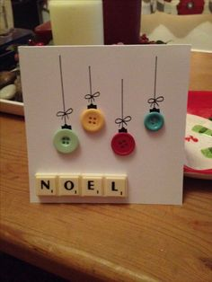 DIY Christmas card with buttons! Looks so easy, great for immediate family or friends.