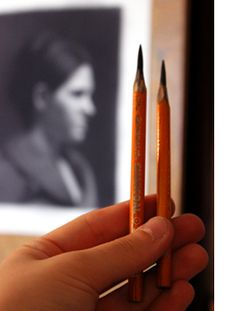 Drawing Pencils: Learn about your most important drawing tool! This page addresses: the different kinds of drawing pencils, the difference between graphite and charcoal (and their pro's and con's), how to match drawing pencils with drawing paper to get the effects that you want in your drawing, and much more!