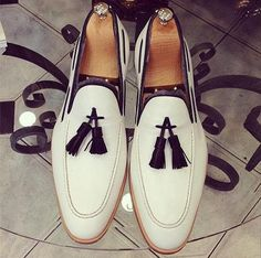 Wakeby Wolf Fancy White Tassel Moccasins Genuine Leather Shoes