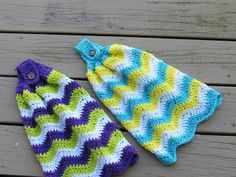 Just came across this great free crochet pattern! What a great idea for a Christmas gift or any occasion gift. Or would you keep i...