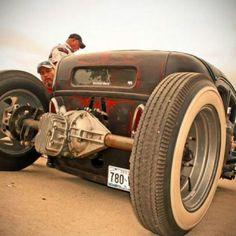 old rat rod trucks Rat Rod Cars, Rat Rods, Classic Hot Rod, Classic Cars, Rat Rod Build, Traditional Hot Rod, T Bucket, Kustom Kulture, Sweet Cars