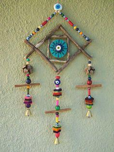 Wall Hanging Crafts, Hanging Art, Diy Wall Art, Paper Flowers Craft, Flower Crafts, Diy Bottle, Bottle Crafts, Twig Crafts, Hanging Mobile