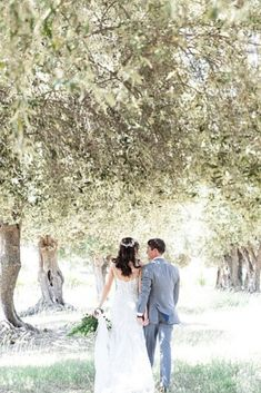 A classic boho style wedding on a vineyard in Livermore California where the couple exchanged their vows. Romantic Wedding Colors, Romantic Wedding Centerpieces, Romantic Wedding Receptions, Romantic Wedding Inspiration, Wedding Planning Inspiration, Rustic Weddings, Wedding Details, Fine Art Wedding Photography, Wedding Photography Inspiration