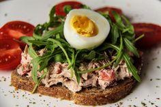 Wiki Fit-Lana Shi Fitness   |  Сэндвичи на завтрак, обед или перекус с тунцом, сладким перцем, рукколой и яйцом! И всего 155 ккал в каждом!