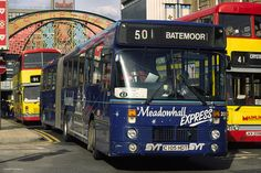 The Meadowhall Express in Sheffield - aka bendi-bus. Giant Truck, Sheffield England, Bus Coach, South Yorkshire, Futuristic Cars, Historical Images, Busses, Civil Engineering, Public Transport