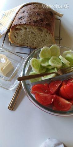 Hrnčekový domáci chlieb (fotorecept) - recept | Varecha.sk Hampers, Brot