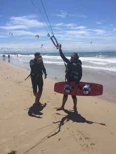 We are a kite school in tarifa, one of the best in lessons prices, and quality. ¡¡¡ KITE CLASS FROM 65 EUROS ¡¡¡ #tarifa #borntokite #kitesurf