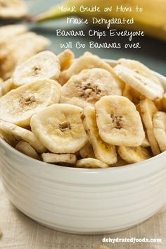 Finding food that everyone will enjoy can be a challenge but when you find the perfect recipe it is amazing. Here is your guide on how to make dehydrated banana chips everyone will love. Dehydrated Banana Chips, Dried Banana Chips, Dehydrated Apples, Dehydrated Vegetables, Dehydrated Food, Dried Bananas, Dehydrated Chips Recipe, Homemade Banana Chips, Go Bananas