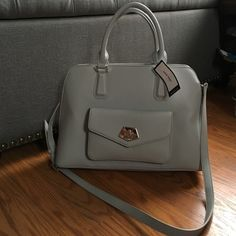 NWT Nine West Purse Grey purse from Nine West! Lots of storage inside! And pocket in front! Nine West Bags