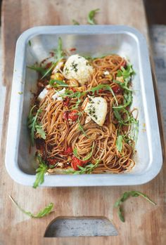 Enjoy pasta and be healthy with this spelt spaghetti, vine tomatoes and baked…