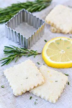 Lemon Rosemary Shortbread Recipe on twopeasandtheirpo. Love these buttery little cookies! Rosemary Shortbread Recipe, Shortbread Recipes, Cookie Recipes, Dessert Recipes, Just Desserts, Delicious Desserts, Yummy Food, Tea Cakes, Vegetarian Recipes