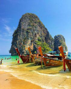 Tayland'da en çok taş adaları sevdim desem yalan olmaz  I loved the islands in #Thailand #AnneBenKactim #follow #blogger #turkishblogger #islands #color #picture #traveler #gezginkadinlar #turkkizi #turkishfollowers #krabi #aonang by annebenkactim