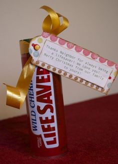 25 Neighbor Christmas gift ideas!!!! All with clever punny gift tags