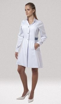 Jaleco Bari Feminino - BioStilo. Uniformes com estilo e proteção Nursing Dress, Nursing Clothes, Scrubs Uniform, Lab Coats, Medical Uniforms, Stylish Coat, Italian Style, Work Wear, Overalls