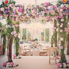 Wedding Trends: 20 Floral Arches, Bunches & Blooms