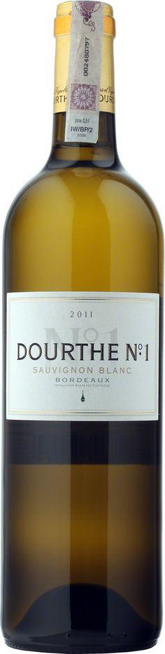Dourthe No 1 Sauvignon Blanc Bordeaux A.O.C. W 1988 enolodzy z Dourthe po raz pierwszy zastosowali na dużą skalę metodę winifikacji opracowaną przez Denisa Dubourdieu do produkcji doskonałego, białego i wytrawnego Bordeaux. Specjalna maceracja i fermentacja w niskiej temperaturze zapewniają charakterystyczny aromat sauvignon, a także nadają winu strukturę i długość. Dzięki półrocznemu dojrzewaniu na osadzie bukiet nabiera harmonii, finezji i mocy. #Wino #Bordeaux #SauvignonBlanc #Winezja Sauvignon Blanc, Saint Emilion, Health Breakfast, Bordeaux, Bottle, Flask, Bordeaux Wine, Jars