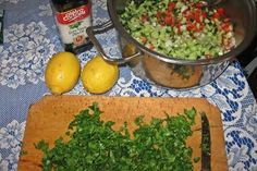 100 sfaturi naturiste - Leacuri din plante Guacamole, Grains, Rice, Mexican, Ethnic Recipes, Food, Plant, Essen, Meals
