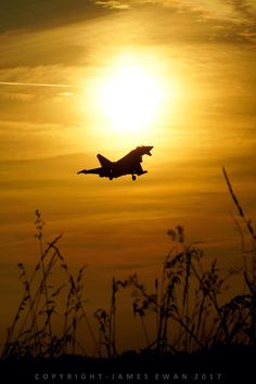 https://flic.kr/p/UBhHcJ | Royal Air Force Eurofighter Eurofighter Typhoon FGR4 ZJ936-QO-C 3(F) Squadron - RAF Coningsby sunset