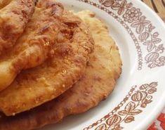 10 perces sajtos lángos Hungarian Cuisine, Hungarian Recipes, Hungarian Food, Pizza Recipes, Baby Food Recipes, Cooking Recipes, Recipe Mix, Pasta Dishes, Street Food