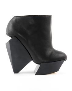 Wtf kinda shoes are these?!?