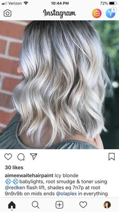 95 easy on the go hairstyles for naturally curly hair - Hairstyles Trends Silver Blonde Hair, Balayage Hair Blonde, Bayalage, Ash Balayage, Haircolor, Root Smudge Blonde, Shadow Root Blonde, Redken Hair Color, Redken Hair Products