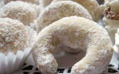 Biscotti Vanillekipferl - Cercate delle golose ricette di Natale da preparare con il Bimby? Ecco per voi i biscotti Vanillekipferl presi in prestito dalla cucina tedesca e austriaca, davvero molto gustosi.