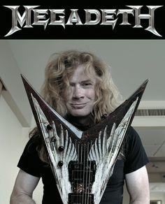 Mit Ankündigung ihres neuen Albums ,Dystopia' schien bei Megadeth alles seinen gewohnten Gang zu gehen. Doch ein Blick hinter die Kulissen zeigt: Im Camp von MegaDave hat es wieder einmal ordentlich gerappelt. Ist Mr. Mustaine also ein good guy oder ein bad guy? Für die Medien sind Dave Mustaine und seine Band Megadeth immer wieder...
