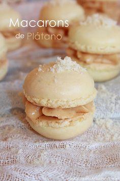 Hoy os traigo un bocado de lujo, una verdadera delicia para el paladar, unos macarons rell...
