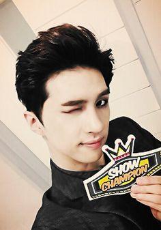 """Vixx ♥ Ken """"hey baby, I think I wanna marry you"""" ;)"""
