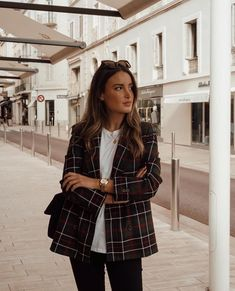 Combine the most beautiful blazers properly. -Combine the most beautiful blazers properly. -Combine the most beautiful blazers properly. Winter Outfits For Work, Fall Outfits, Casual Outfits, Fashion Mode, Work Fashion, Travel Fashion, Classic Fashion, Style Fashion, Mode Outfits